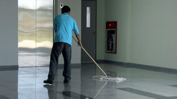 W firmach potrzebni są profesjonalni sprzątacze
