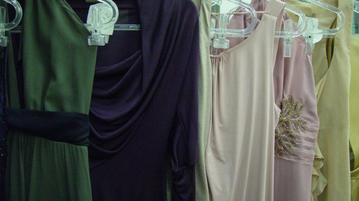 Sukienki na wesele – ważne zakazy